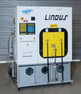 Lindus LM 250 Enclosed Solvent Degreaser