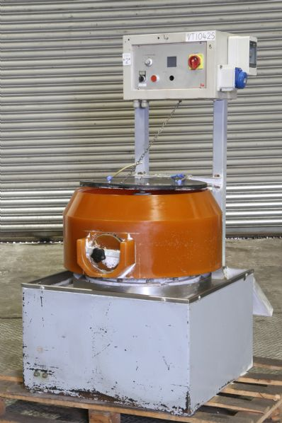 VT1042S - Lando Mario Vibratory Finishing Machine Type LT50