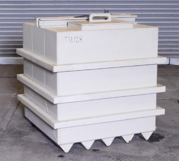 Tank 900mm x 900mm x 900mm (complete with lid)