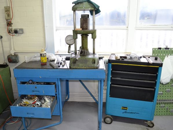 ACL Mounting Hydraulic Press