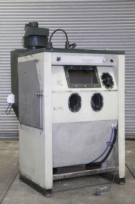 Pressure Fed Blast Cabinets