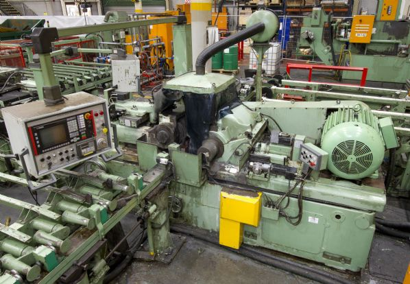 Lidkoping Model 5 B Through Feed Centreless Grinding Machine