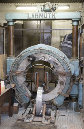 "Wrapping Machine medium 24"" Coil max."