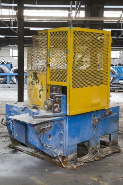 Wire drawing single block machine