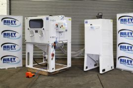 Challenger II Dry Blast Cabinet and Dust Extractor Complete